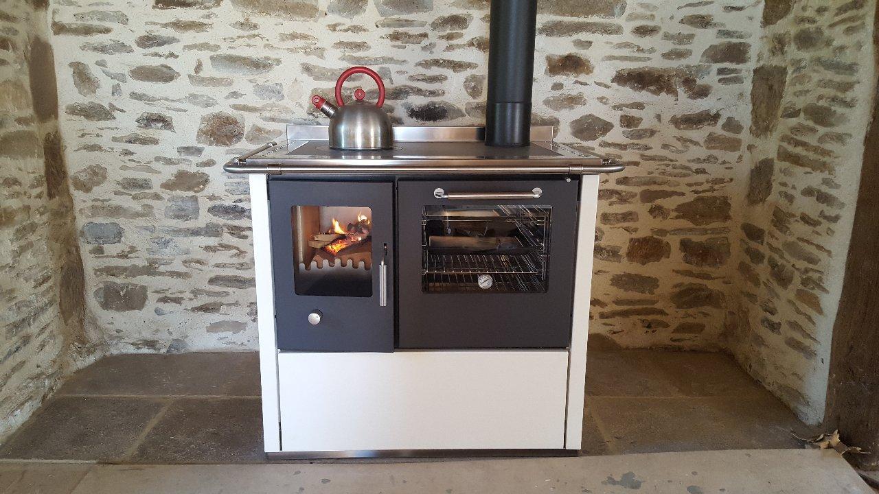 Demanincor cuisiniere près de Brive-la-Gaillarde   Airselect